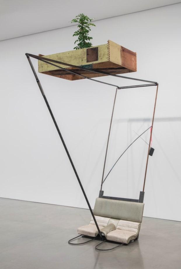 Autoconcanción I by Abraham Cruzvillegas