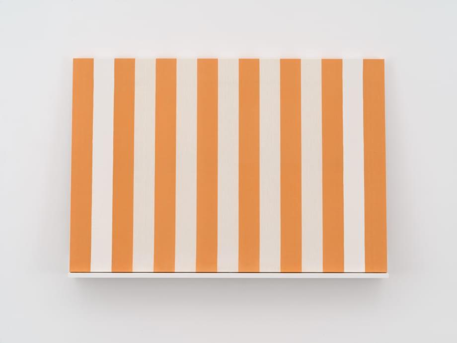 Peinture acrylique blanche sur tissue raye blanc et orange by Daniel Buren